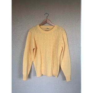 VINTAGE 1950's yellow Cable knit sweater pullover